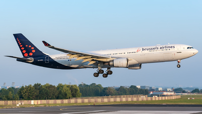 OO-SFM - Airbus A330-301 - Brussels Airlines