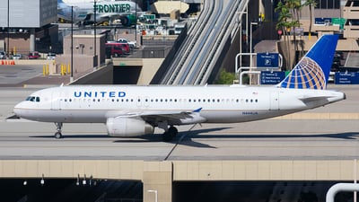 A picture of N444UA - Airbus A320232 - United Airlines - © Taxi_Way_