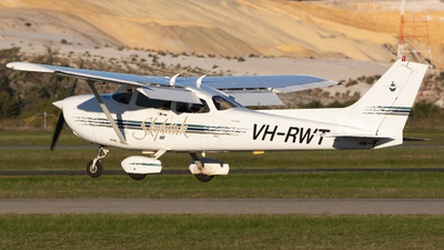 A picture of VHRWT - Cessna 172R Skyhawk - [17280374] - © Will.Taylor