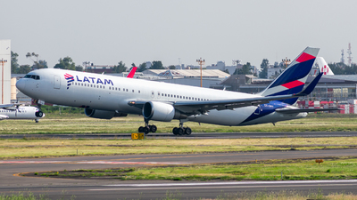 CC-CWY - Boeing 767-316(ER) - LATAM Airlines