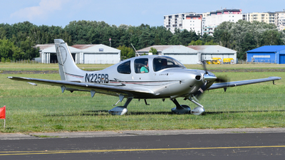 N225RB - Cirrus SR22T - Private