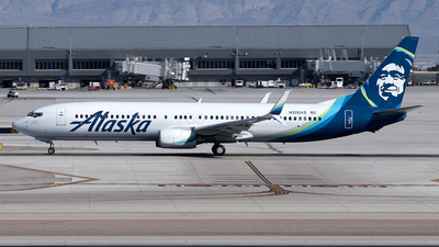 A picture of N320AS - Boeing 737990 - Alaska Airlines - © Yixin Chen