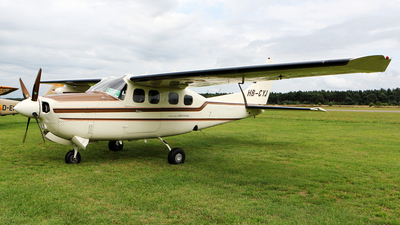 A picture of HBCYJ - Cessna P210R Pressurized Centurion II - [P21000836] - © Jeroen Stroes