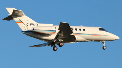 C-FMIO - Hawker Beechcraft 800XP - Sunwest Aviation