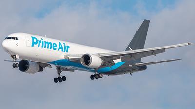A picture of N311AZ - Boeing 767338(ER)(BDSF) - [25316] - © Miles Aronovitz
