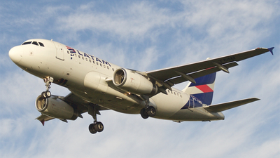 A picture of PTTMB - Airbus A319132 - LATAM Airlines - © Neto