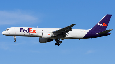 A picture of N786FD - Boeing 757222(SF) - FedEx - © Marco Papa