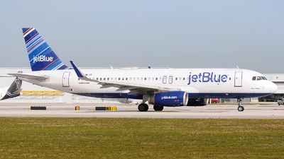 A picture of N821JB - Airbus A320232 - JetBlue Airways - © Alexander Portas