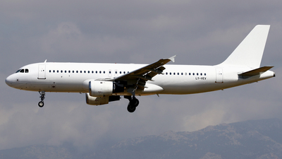 LY-VEV - Airbus A320-212 - Avion Express