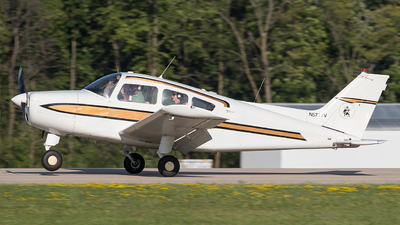 N5777V - Beechcraft A23-24 Musketeer Super III - Private
