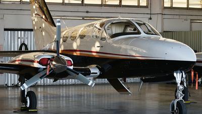 A picture of HRAXX - Cessna 414A Chancellor - [4140650] - © Ennio