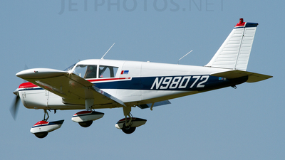 A picture of N98072 - Piper PA28140 - [2826024] - © Geoff Landes