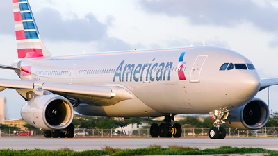 N289AY - Airbus A330-243 - American Airlines