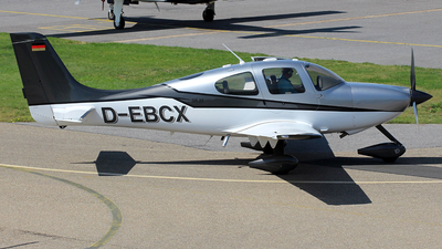 D-EBCX - Cirrus SR22 - Private