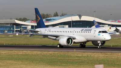 P4-KHD - Embraer 190-300STD - Air Astana