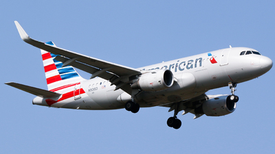 A picture of N9015D - Airbus A319115 - American Airlines - © Alec Mollenhauer