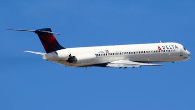A picture of N932DL - McDonnell Douglas MD88 - [49719] - © C. v. Grinsven