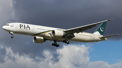 AP-BHV - Boeing 777-340ER - Pakistan International Airlines (PIA)