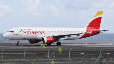 EC-LKG - Airbus A320-214 - Iberia Express