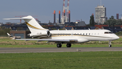 LX-JNC - Bombardier BD-700-1A10 Global Express XRS - Luxaviation