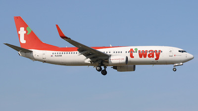HL8268 - Boeing 737-83N - T'Way Air