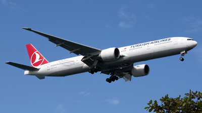 A picture of TCJJR - Boeing 7773F2(ER) - Turkish Airlines - © svensonliew