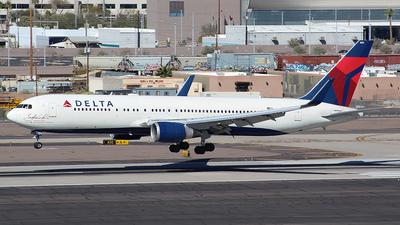 N16065 - Boeing 767-332(ER) - Delta Air Lines