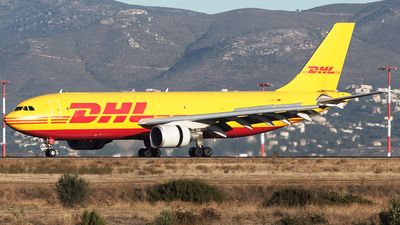 A picture of DAEAJ - Airbus A300B4622R(F) - DHL - © Oksana