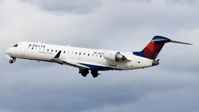 A picture of N317CA - Mitsubishi CRJ701ER - Delta Air Lines - © Brady Noble
