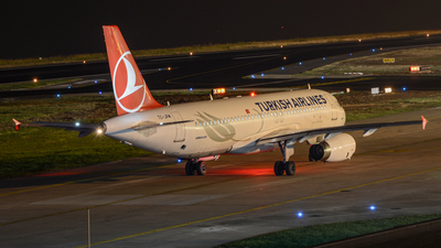 A picture of TCJPM - Airbus A320232 - Turkish Airlines - © Serdar Zengin