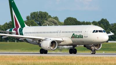 EI-DSV - Airbus A320-216 - Alitalia