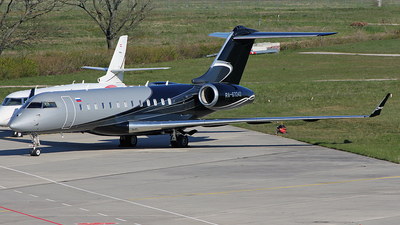 RA-67242 - Bombardier BD-700-1A10 Global Express - Private