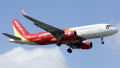 A picture of VNA656 - Airbus A320214 - VietJet Air - © Thanh Ho