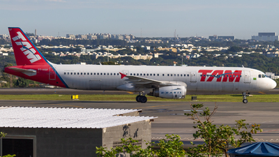 A picture of PTMXF - Airbus A321231 - LATAM Airlines - © DeltaFox Spotter
