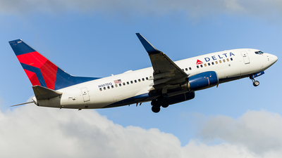 N307DQ - Boeing 737-732 - Delta Air Lines