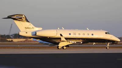 N423JG - Bombardier BD-100-1A10 Challenger 300 - Private
