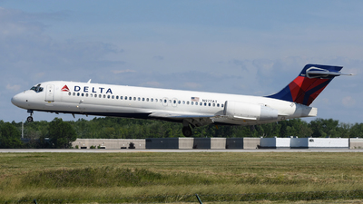 A picture of N977AT - Boeing 7172BD - Delta Air Lines - © DJ Reed - OPShots Photo Team