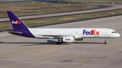 A picture of N968FD - Boeing 75728A(SF) - FedEx - © Julian Schwamborn