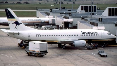 VH-TAX - Boeing 737-376 - Australian Airlines