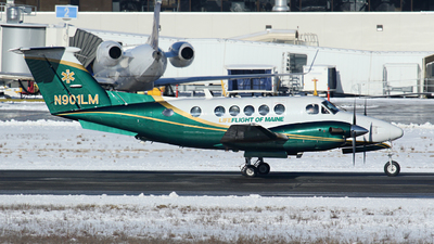 N901LM - Beechcraft B200 Super King Air - Private