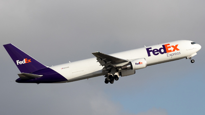 A picture of N121FE - Boeing 7673S2F(ER) - FedEx - © Christopher Cooper