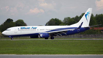 YR-BMC - Boeing 737-85F - Blue Air