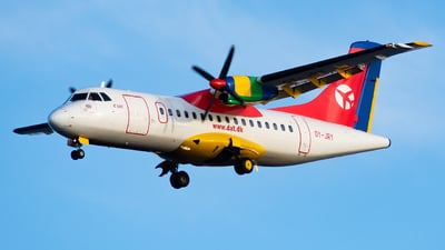A picture of OYJRY - ATR 42300 - DAT - © John Zhao