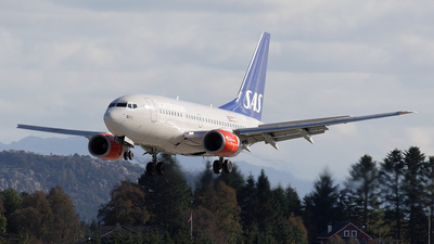 LN-RPX - Boeing 737-683 - Scandinavian Airlines (SAS)