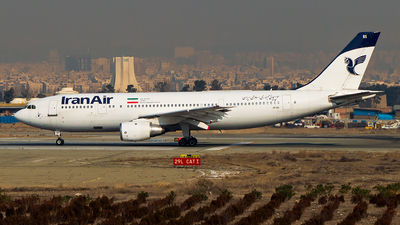 A picture of EPIBS - Airbus A300B2203 - Iran Air - © Mohammad Rozve