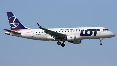 A picture of SPLID - Embraer E175STD - LOT - © Emil Zegnalek