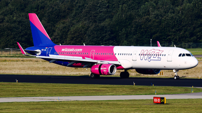 A picture of HALXL - Airbus A321231 - Wizz Air - © C. v. Grinsven