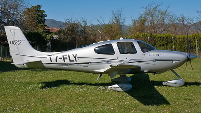 T7-FLY - Cirrus SR22 - Private