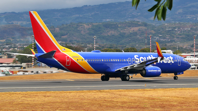 N8680C - Boeing 737-8H4 - Southwest Airlines