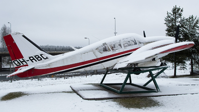 OH-ABC - Piper PA-23-250 Aztec D - Private